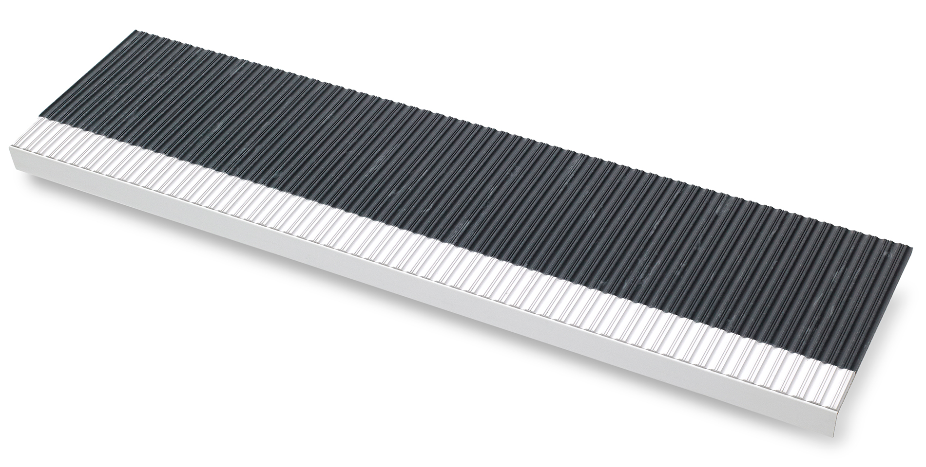 Step-covering in black, ribbed with white nosing